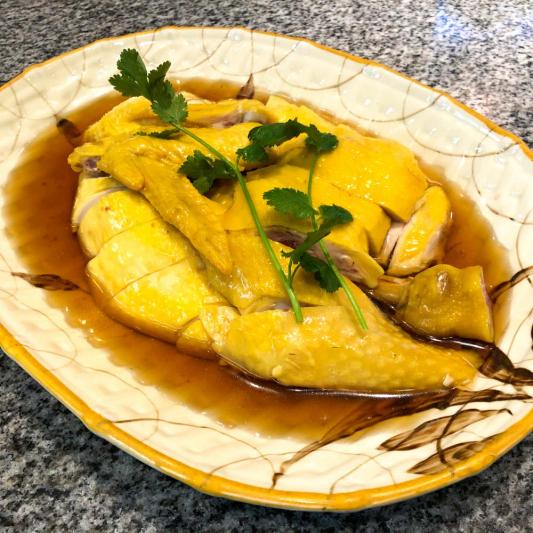 10. Braised Free Run Chicken w/ Huadiao Rice Wine 花雕走地雞