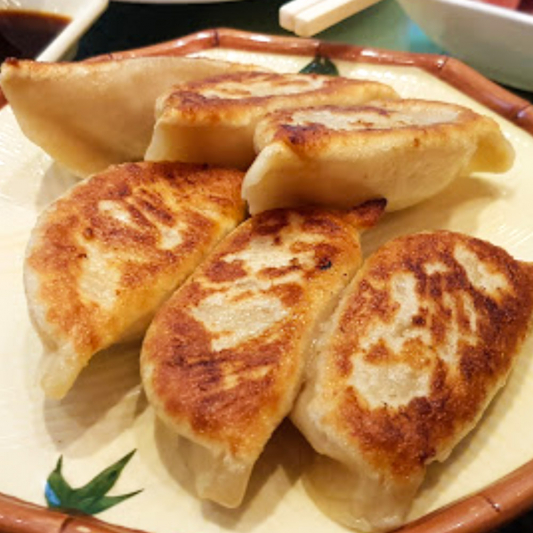 373. Pan-Fried Pork Dumpling Gyoza (6 Pcs) 鮮肉鍋貼