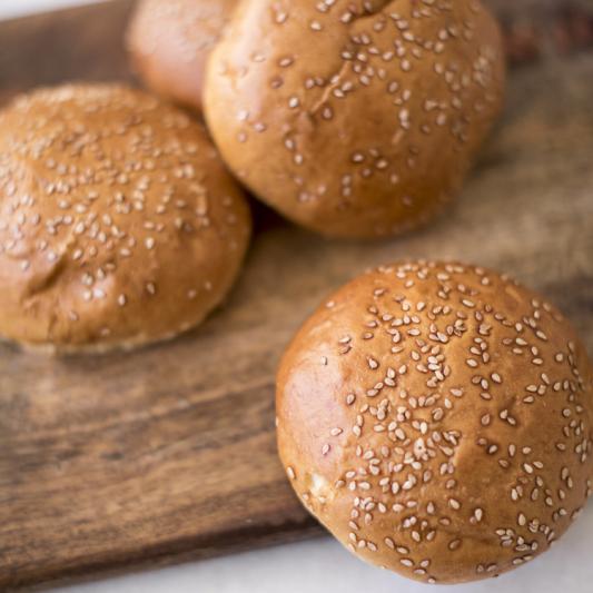 2. Sesame Seed Bun 烧饼