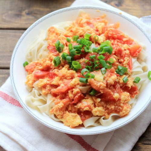 12. Scrambled Eggs & Tomatoes Noodles