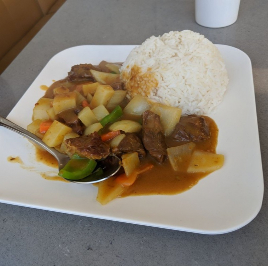 4. Japanese Style Curry Beef on Rice 咖喱牛肉饭