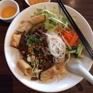 BV3. Beef and Spring Roll Vermicelli