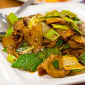 E13. Hunan Smoked Pork with Dried Turnip