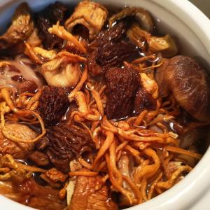 E18. Pork Braised with Tea Tree Mushrooms