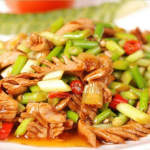 Stir-Fried Pork Kidney with Chili 火爆腰花