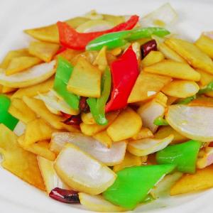 Sliced Potato with Green Pepper 青椒炒土豆片