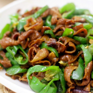 Stir-Fried Pork Intestine with Green Chili 尖椒肥肠