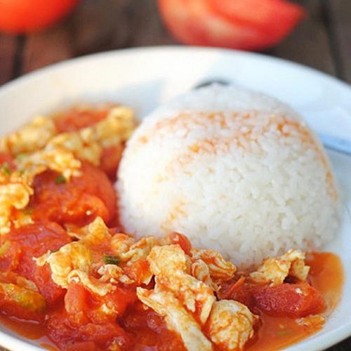 Scrambled Eggs and Tomato on Rice 番茄炒蛋饭