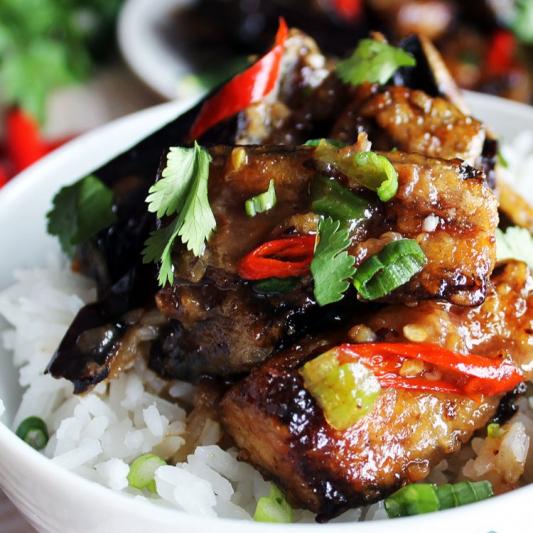 Eggplant with Chili Sauce on Rice 肉沫茄子饭