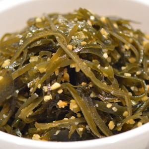 12. Seaweed with Mashed Garlic 蒜香海帶