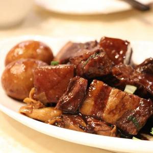 1. Shanghai Style Braised Pork Belly 外婆紅燒肉