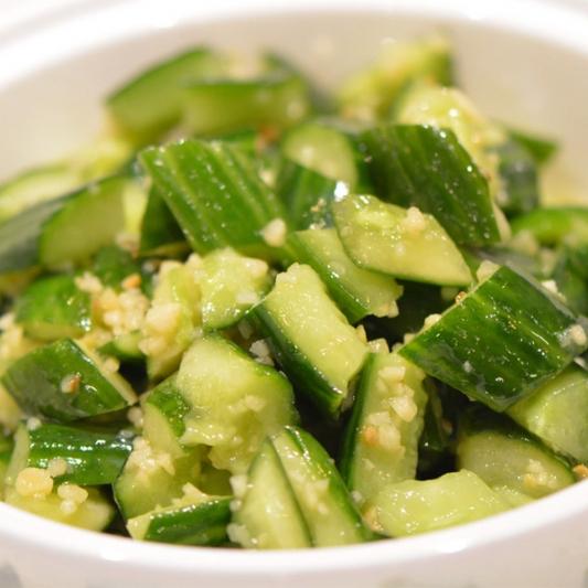 13. Cucumber in Garlic Sauce 手拍小黃瓜