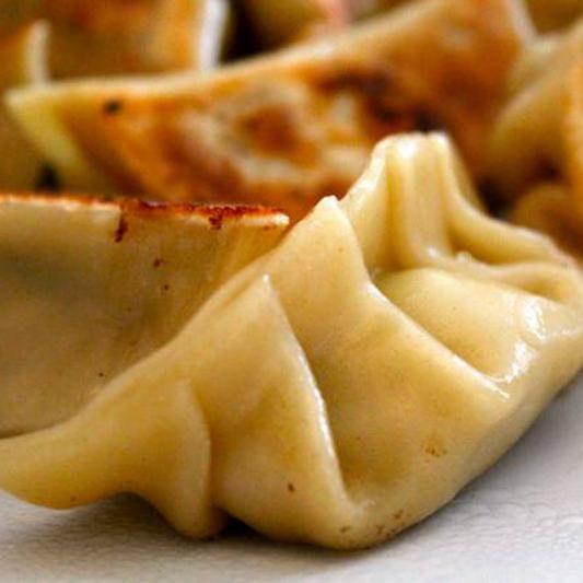 3. Pan Fried Pork Dumplings (6 Pcs) 豬肉鍋貼