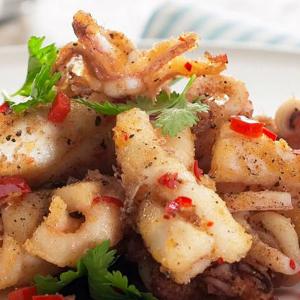 45. Spicy & Salted Calamari 椒鹽魷魚