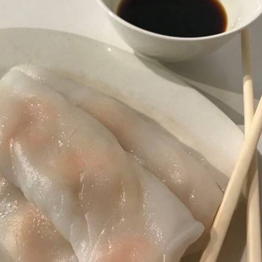 12. Steamed Shrimp Rice Roll with Soya Sauce 鮮蝦腸粉