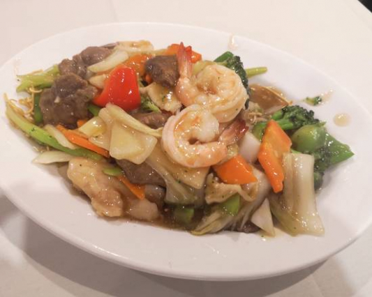 Fried Cantonese Chow Mein Noodles