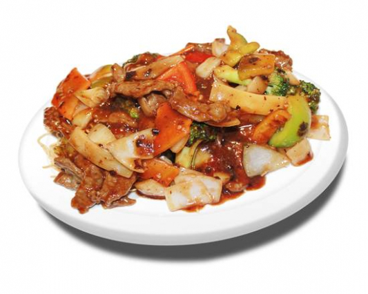 25. Chicken or Beef Fried Noodles