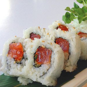19.Spicy Salmon Roll