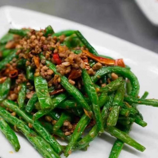 718. Haricots Verts Frits avec Porc Haché / Stir-fried Green Beans with Minced Pork / 干煸四季豆