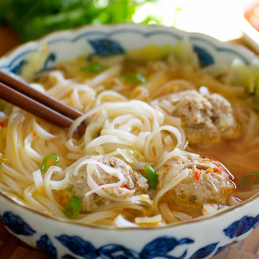 Chicken Meat Ball with Rice Noodle Soup