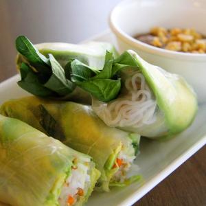 V06. Salad Rolls