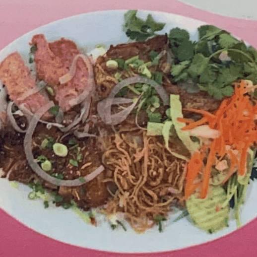 #66. Pork Chop, Chicken, Shredded Pork, Marinated Pork on Steamed Rice (Com Sươn, Ga, Bi̇, Nem Nướng)