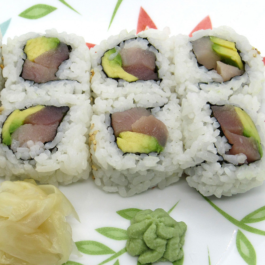 Tuna and Avocado Roll (8 pcs)
