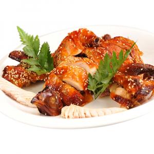 2301. Crispy Soy Chicken (Half) 酱皇脆皮鸡 (半)