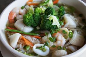 Seafood Rice Noodle Soup 海鲜米河汤