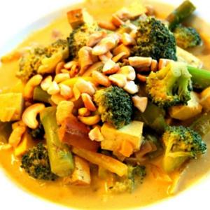45. Yellow Curry Tofu & Mix Veggies