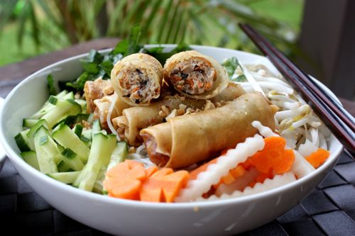 44. Vegetarian Spring Roll on Vermicelli