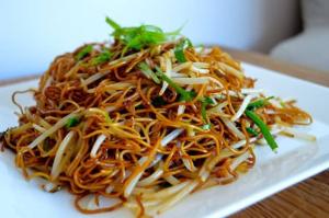 95. Soya Sauce Chow Mein - 豉油皇炒面