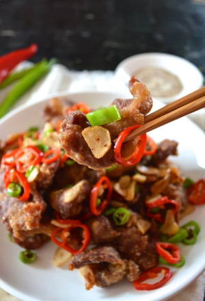 95. Fried Pork Belly With Green Pepper (Jalapano Pepper)