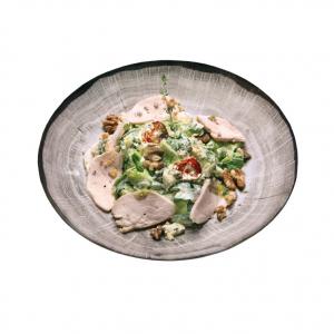 Салат из Курицы Су-вид с Голубым Сыром, Орехами и Рукколой