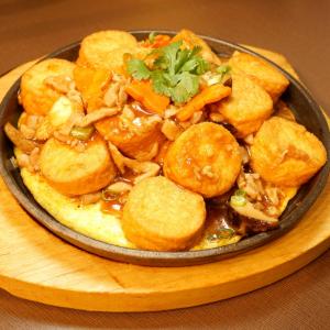 58. Shredded Pork with Egg Tofu on Hot Plate
