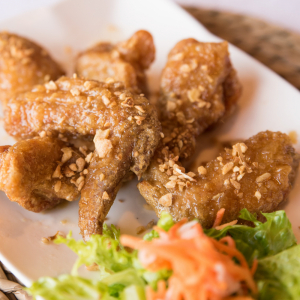 A12- Deep Fried Chicken Wings with Fish sauce (6 pieces)