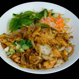 D11 - Stir Fried Chicken in Lemon Grass with Vermicelli
