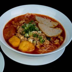 C09- Bún Riêu Vermicelli soup