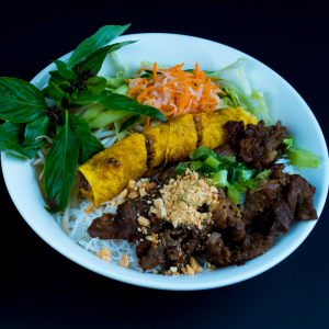 D01- Grilled Pork & Spring Rolls with Vermicelli