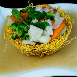 G02- Stir-fried Egg Noodle with Seafood & Vegetables