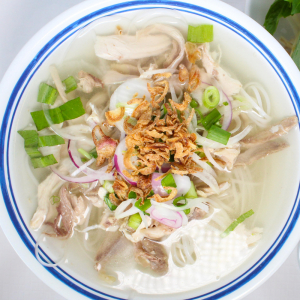 B14- Chicken Rice Noodle Soup (choice of Chicken broth or beef broth)
