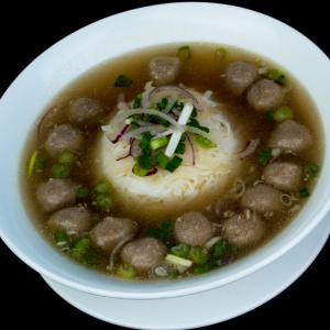 B13- Beef Balls Rice Noodle Soup