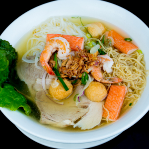 C03- Rice Noodle & Egg Noodle soup with Seafood