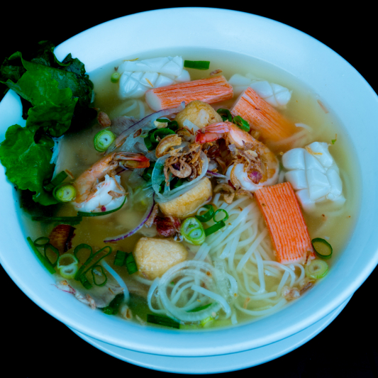 C04- Rice Noodle Soup with Seafood