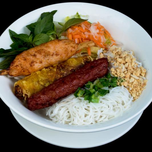 D09- Spring Rolls, Minced Shrimps on Sugar Cane & Pork Sausage with  Vermicelli