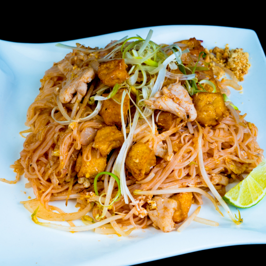 G10 - Chicken Pad Thai