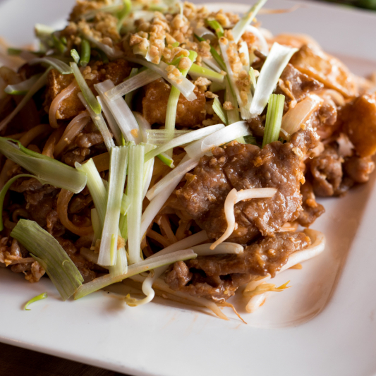 G09 - Beef Pad Thai
