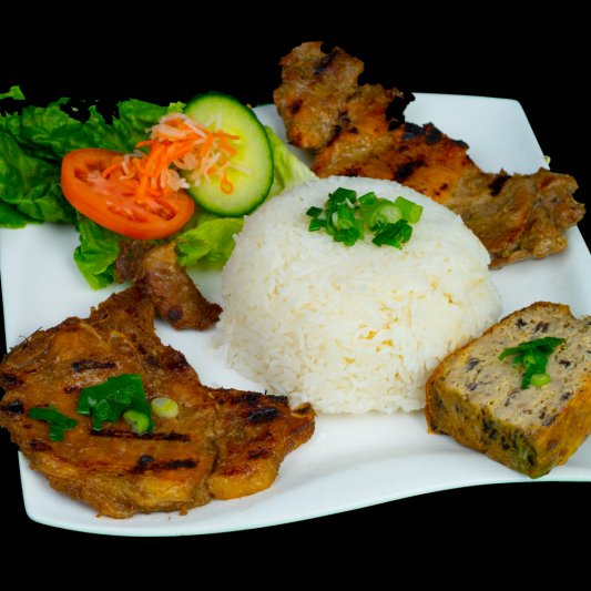 E05- Grilled Pork Chop, Grilled Chicken and Baked Egg with Rice