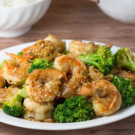 L23. Chicken & Shrimp with Broccoli