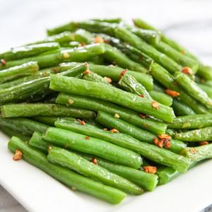 V11. Garlic String Beans